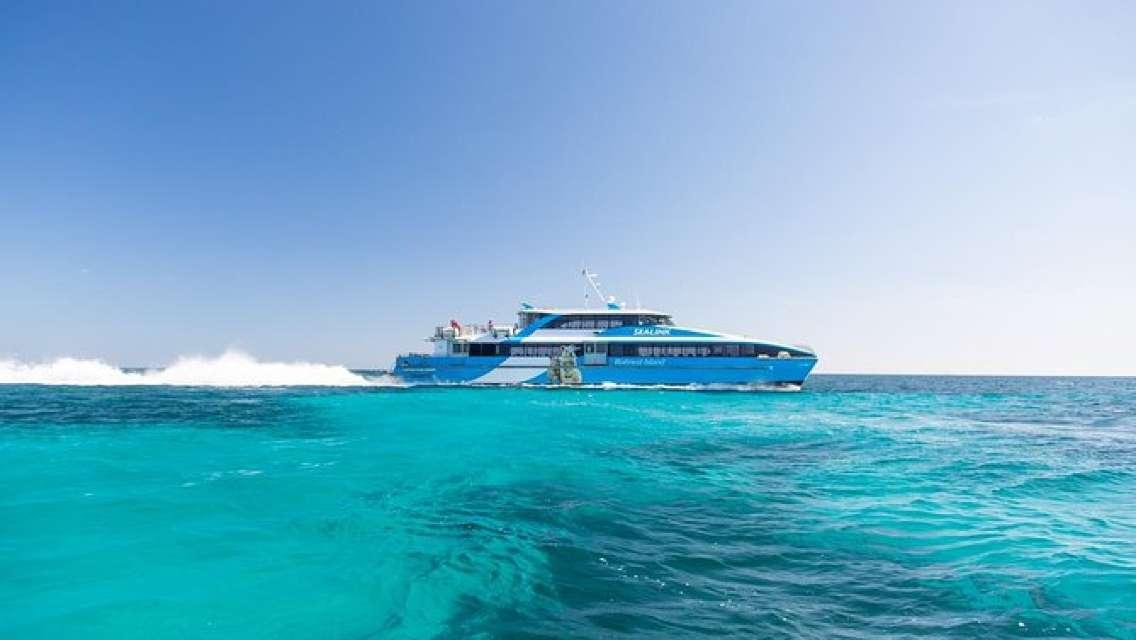 Fremantle to Rottnest Island Roundtrip Ferry Ticket