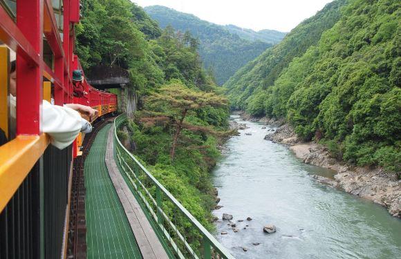 京都嵯峨野嵐山小火車車票【賞櫻必去!火速熱售中】