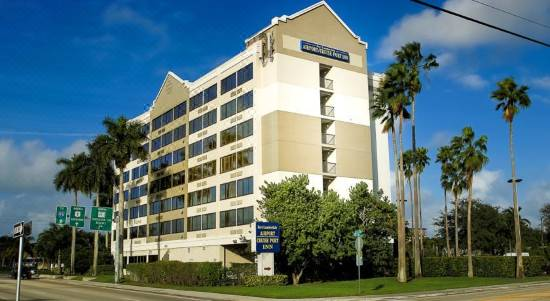 Four Points By Sheraton Fort Lauderdale Airport Cruise Port Room Reviews Photos Fort Lauderdale 2021 Deals Price Trip Com