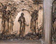 在这个洗礼堂的珍宝当中,有尼古拉·皮萨诺,多那太罗以及米开朗