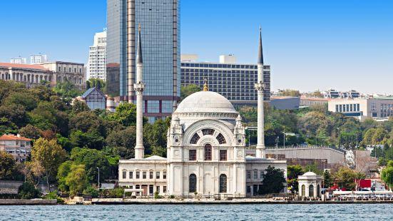 多爾瑪巴切清真寺