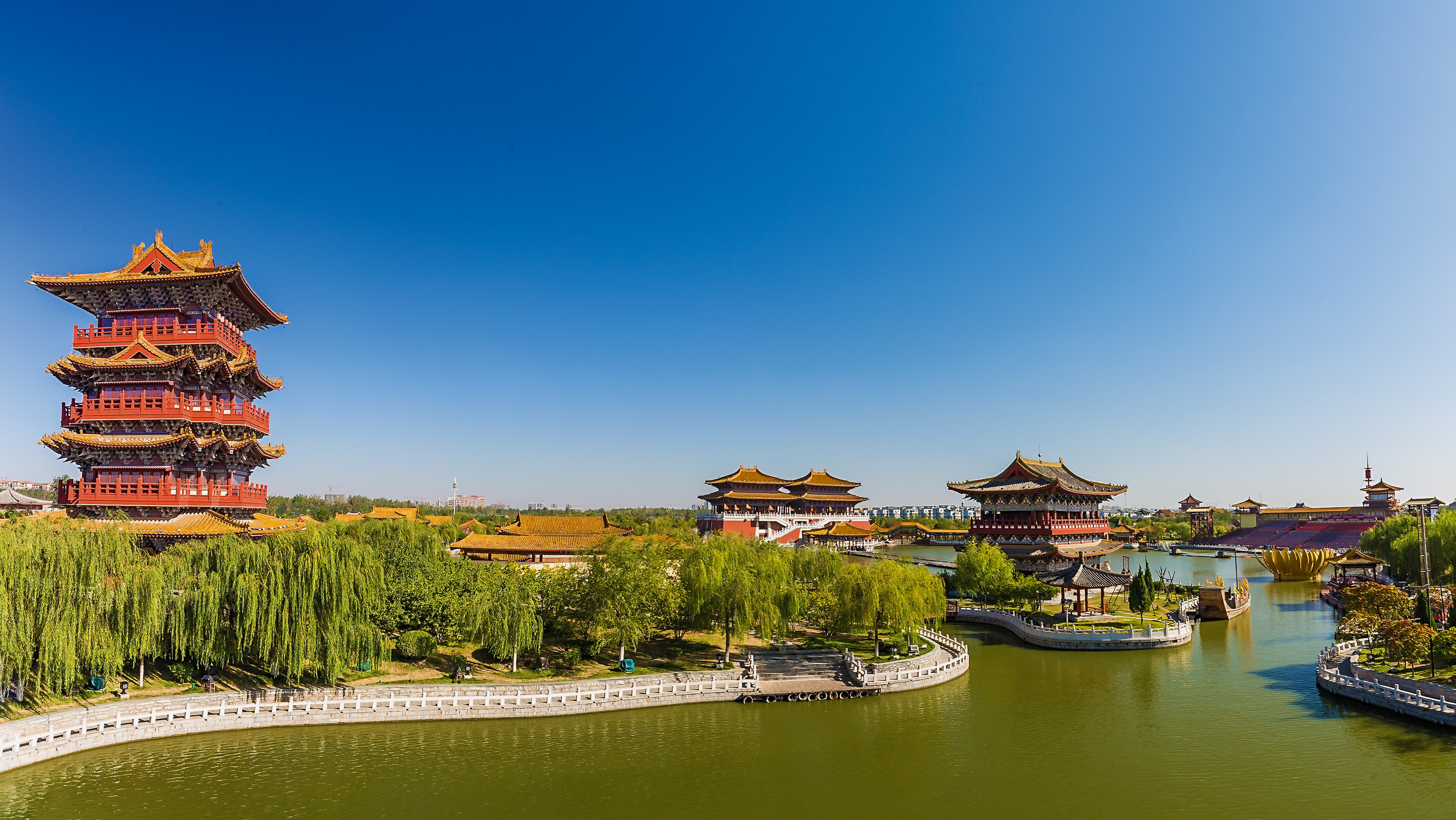 Qingming Riverside Landscape Garden