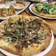 California Pizza Kitchen at Hollywood User Photo