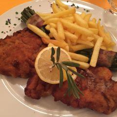 Stadtkeller Swiss Folklore Restaurant User Photo