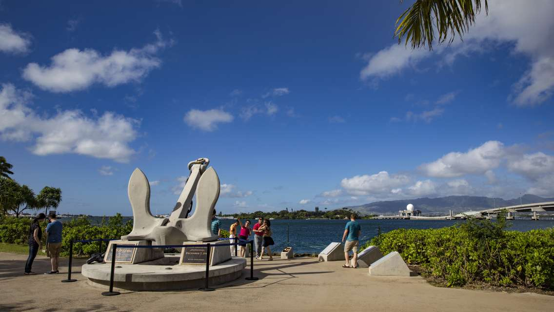 Pearl Harbor Day Tour with Transfer