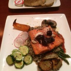 Salmon n' Bannock Bistro User Photo