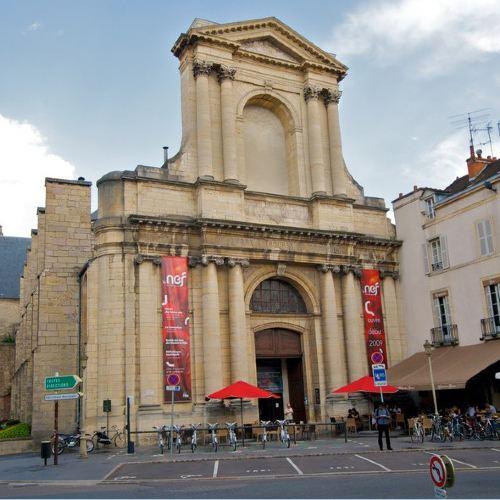 歌劇院廣場