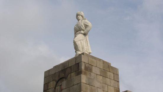 碾子山人民解放紀念碑