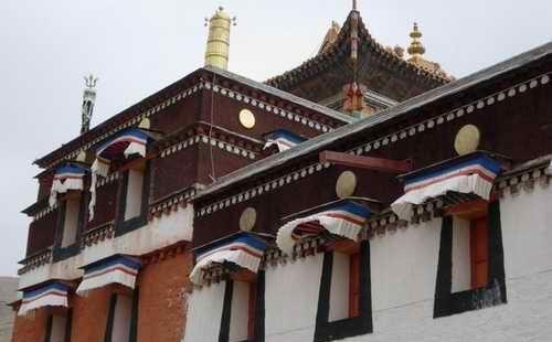 察幹尼瑪外香寺