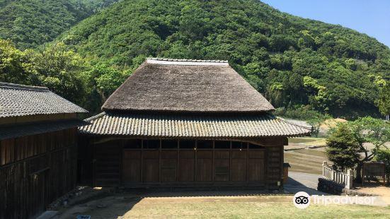 肥土山離宮八幡神社