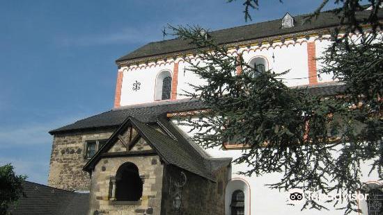 黑萊茵村雙體教堂