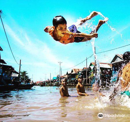Cambodia's Kampong Chhnang floating village