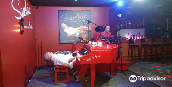 Sascha's Piano Show & Dance Club