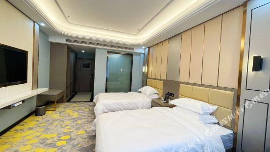 巴楚隆城大酒店