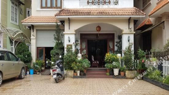 Nhat Huy Hotel