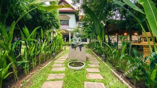 Angkor Yellow Villa