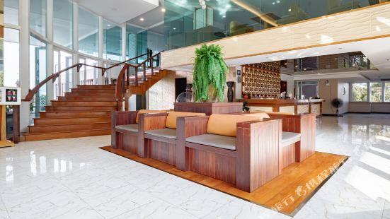 Balihai Bay Pattaya Hotel & Residence