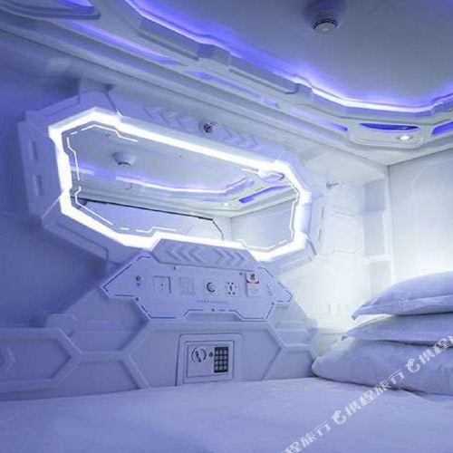 新北原宿時空膠囊旅館