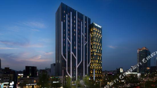 The Recenz Premium Gangnam Garosu-gil Hotel