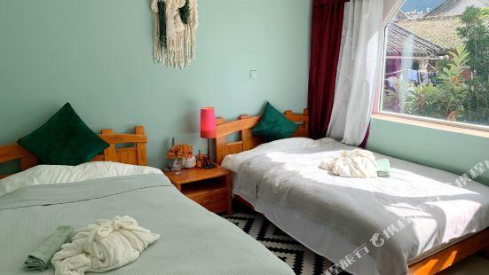 Dali Cecilia's home hotel