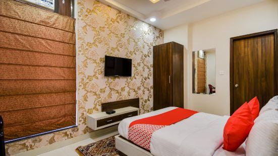 OYO 69690 Hotel Green Wood