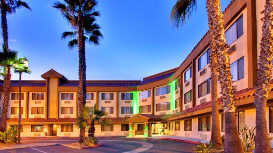 拉梅薩戴斯酒店