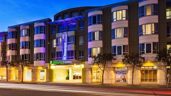 Holiday Inn Express Hotel & Suites Fisherman's Wharf, an IHG Hotel