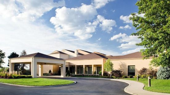 堪薩斯城南庭院酒店