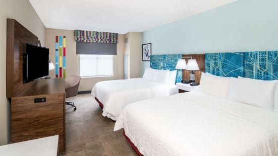 西小石城歡朋酒店及套房