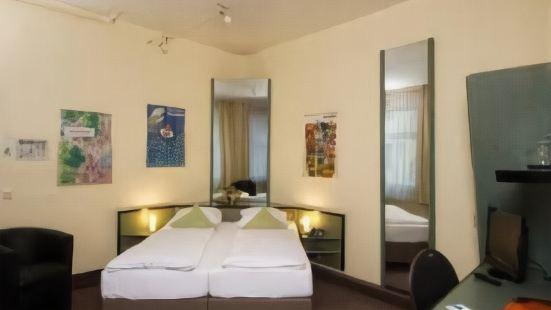 莫諾普爾酒店