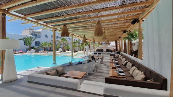 地中海白色酒店