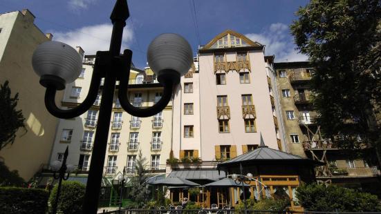 布達佩斯茜茜之翼柯文酒店