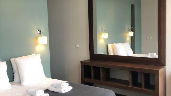 勒多耶尼 - 迷人酒店