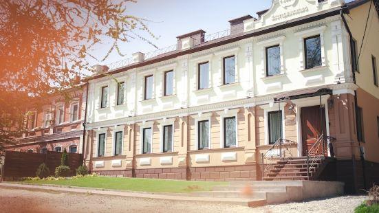 伊卡德連諾斯拉夫酒店