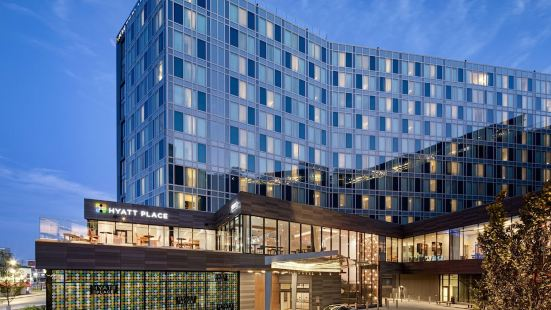 Hyatt Place Boston/Seaport District