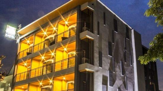 嘉布琴酒店