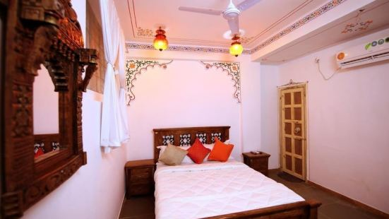 Hotel Dhola Ghat Haweli