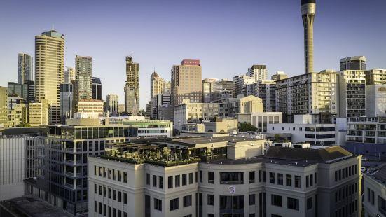 QT Auckland