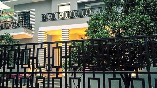 安提戈涅酒店