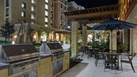 Home2 Suites by Hilton Orlando Flamingo Crossings