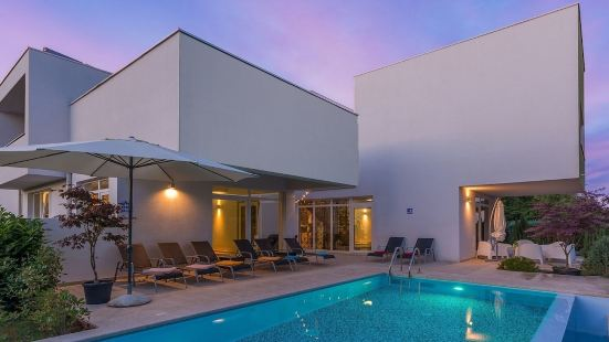 The Modernly Furnished Luxury Villa Kate, a 4-star Villa in Central Istria