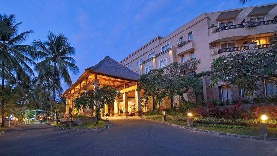 庫塔帕拉迪索酒店