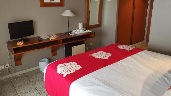 Tiki Hotel - Hospitality School of Tahiti