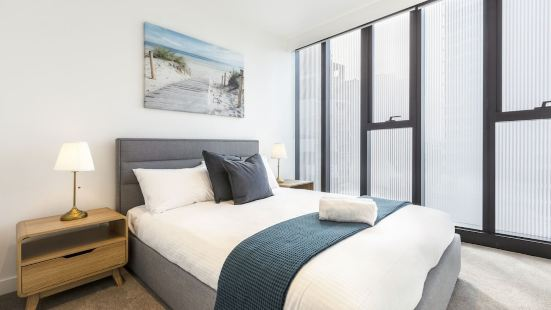 Heart of South Yarra 1BR apartment