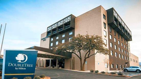 DoubleTree by Hilton Lubbock - University Area