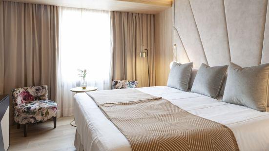 Nivia Born Boutique Hotel