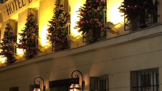 老柳樹酒店