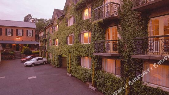朗塞斯頓殖民風格品質酒店