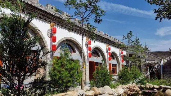 西安秦俑村窯洞庭院