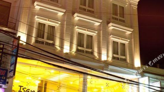 伊薩那酒店